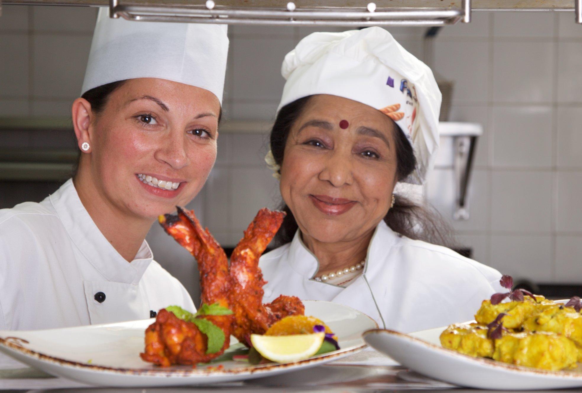 General Manager Giordana Annibal and Asha Bhosle