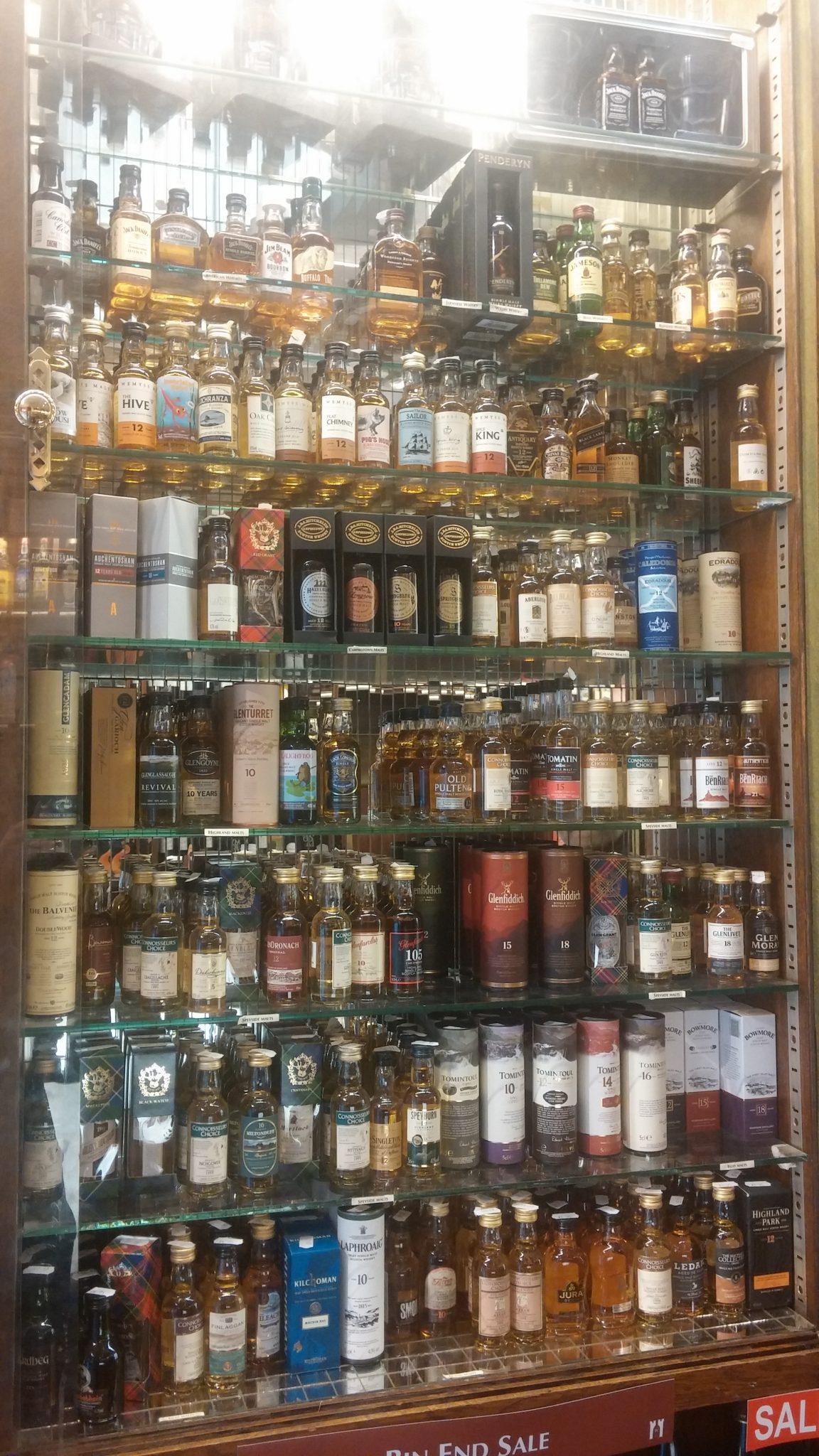 Weavers cabinet
