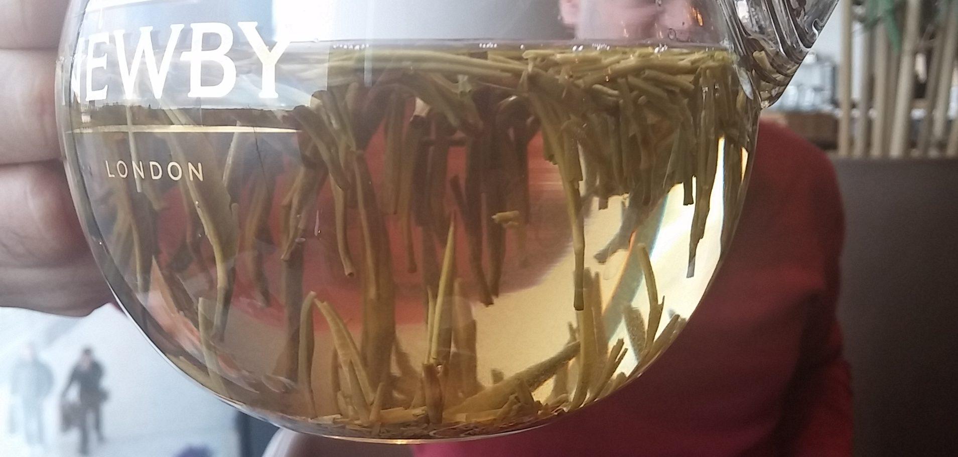 Loose leaf silver needle tea