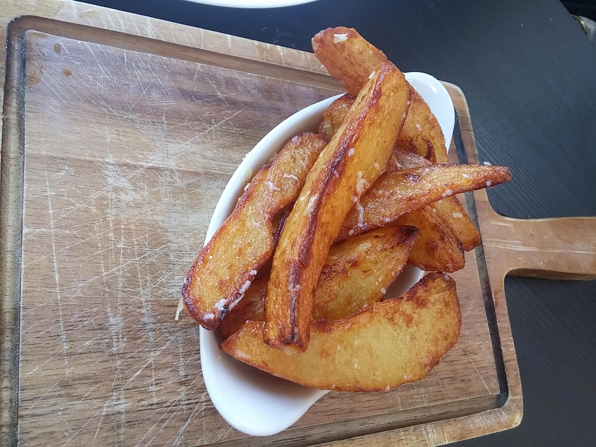 hand-cut truffle chips, Hispi