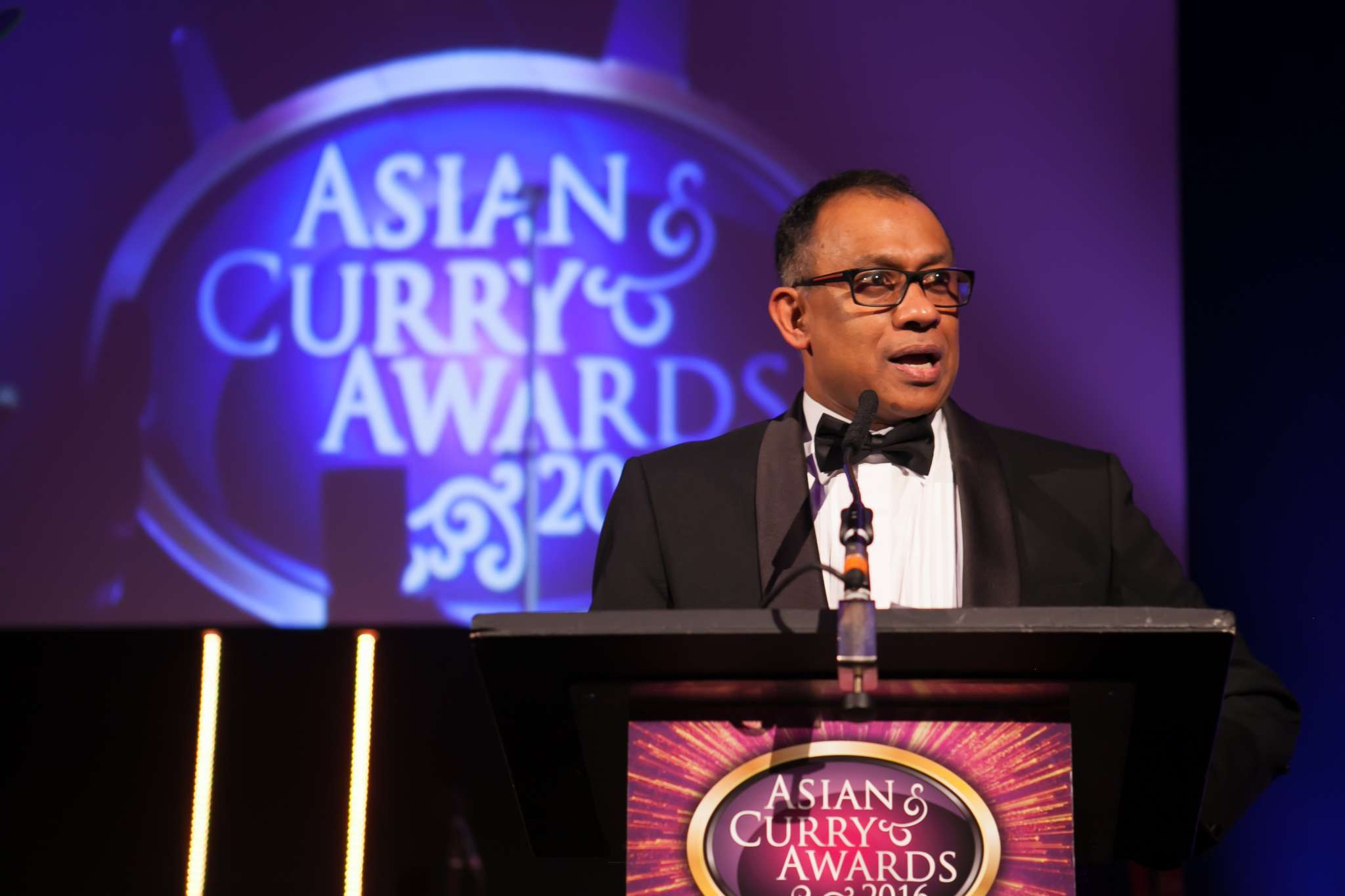 SURPRISE POLL OF CURRY RESTAURANTS PUTS LABOUR AHEAD
